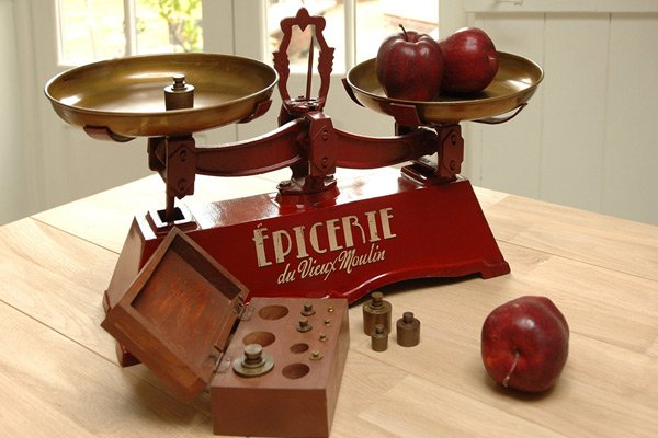 French Vintage Style Traditional Kitchen Weighing Scales